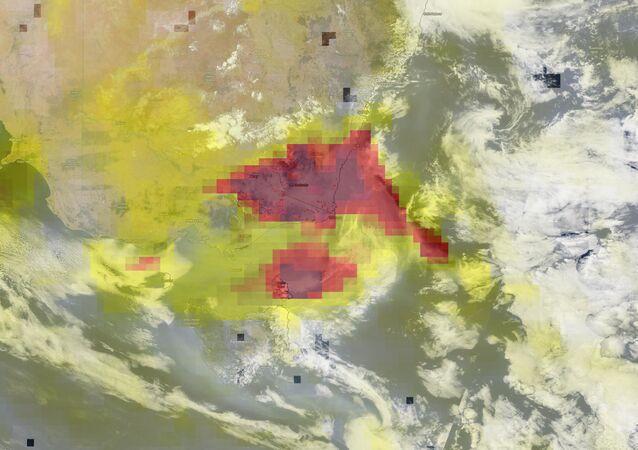 Imagem feita em 14 de janeiro de 2020 mostra fortes concentrações de aerossol sobre as áreas ainda afetadas por incêndios na Austrália ocidental
