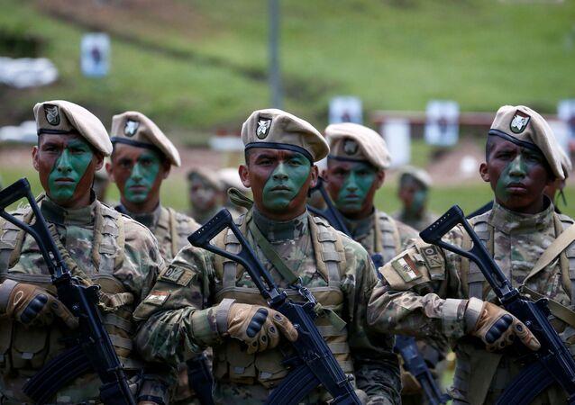 Militares bolivianos (arquivo)