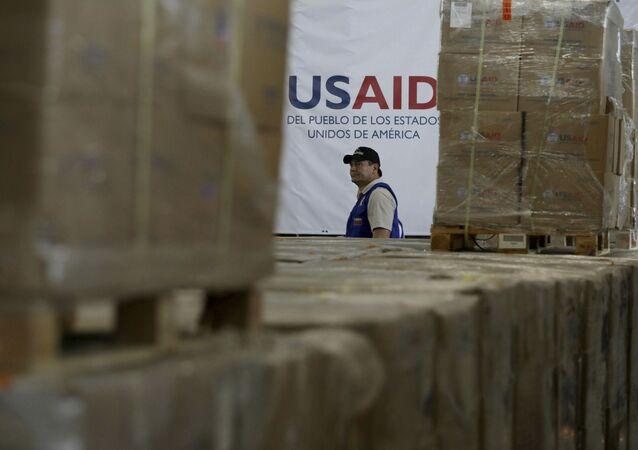 Depósito da USAID próximo da cidade de Cucuta, na Colômbia, na fronteira com a Venezuela (foto de arquivo)