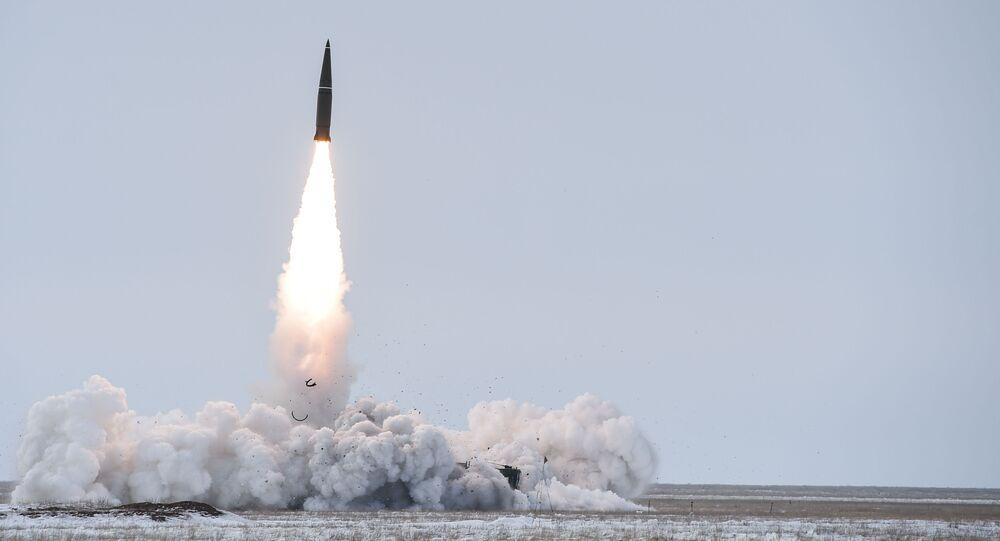 Lançamento de um míssil tático móvel Iskander-M na região de Arkhangelsk (foto de arquivo)