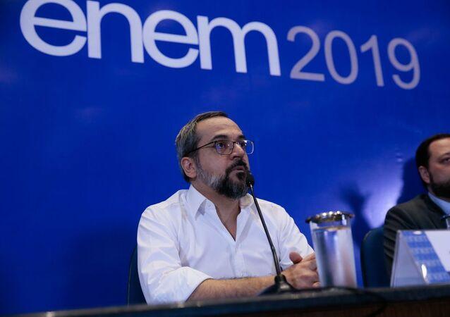 O Ministro da Educação, Abraham Weintraub, e o presidente do Inep. Alexandre Lopes, fazem balanço sobre o ENEM 2019
