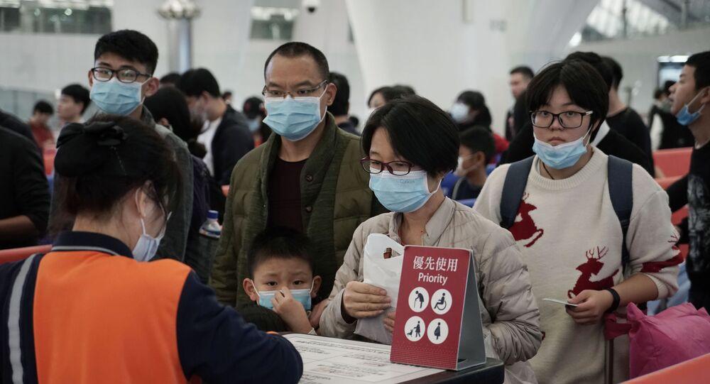 Posto de controle sanitário e ambulatorial em estação de trem, na cidade de Hong Kong, em 22 de janeiro de 2020