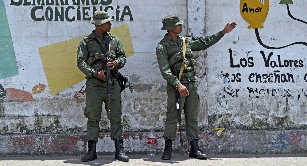 Militares venezuelanos em uma rua do estado de Bolívar (foto de arquivo)