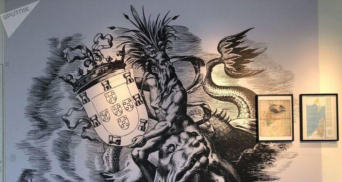 Mapas, brasão de Portugal, maquetes, relíquias bélicas, representações da fauna local são apresentadas no museu
