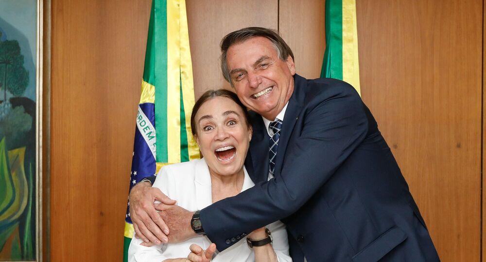 Jair Bolsonaro se encontra com a secretária nacional de Cultura do governo federal Regina Duarte