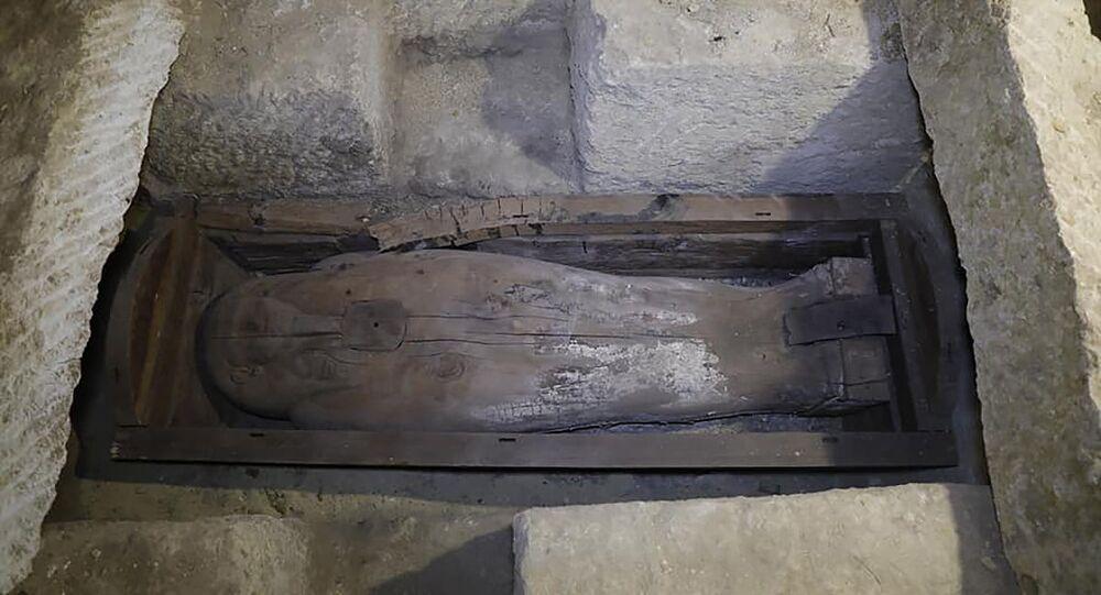 Sarcófago de madeira encontrado no Egito em janeiro de 2020