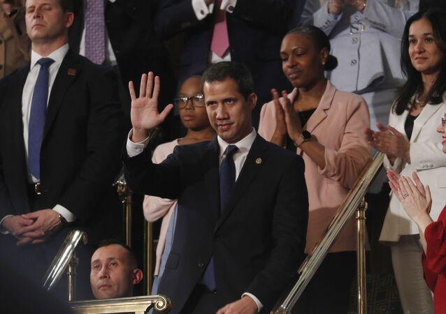 Juan Guaidó acena na Câmara dos Representantes dos EUA ao ser apresentado por Trump