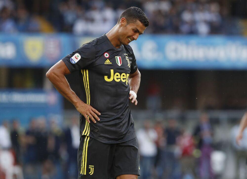 Jogador Cristiano Ronaldo em partida pela equipe italiana Juventus
