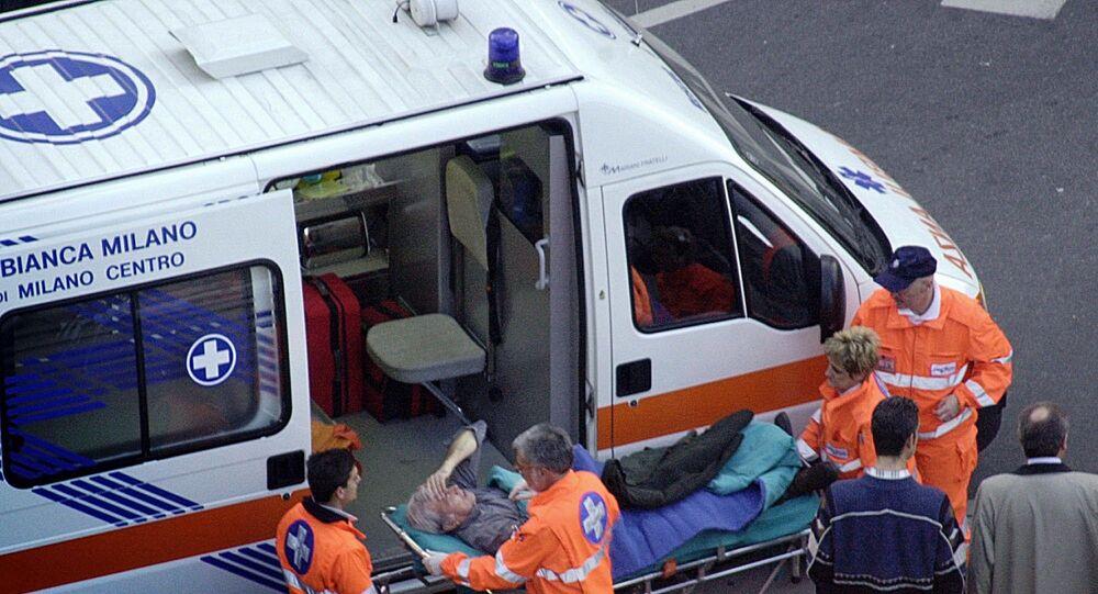 Ambulância em Milão, Itália (arquivo)