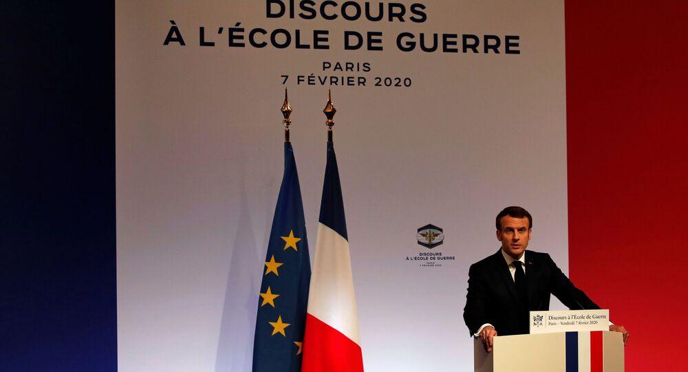 Presidente francês Emmanuel Macron durante discurso sobre estratégia de defesa da UE, na Ecole Militaire, em Paris, França, 7 de Fevereiro de 2020