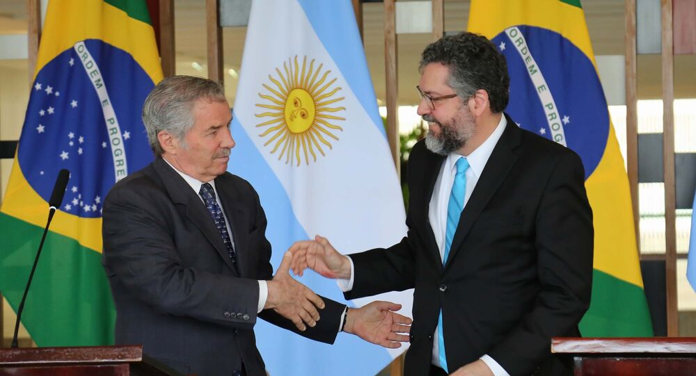 Ministro das Relações Exteriores, Ernesto Araújo, recebe o chanceler argentino, Felipe Solá, no Itamaraty em Brasília (DF)