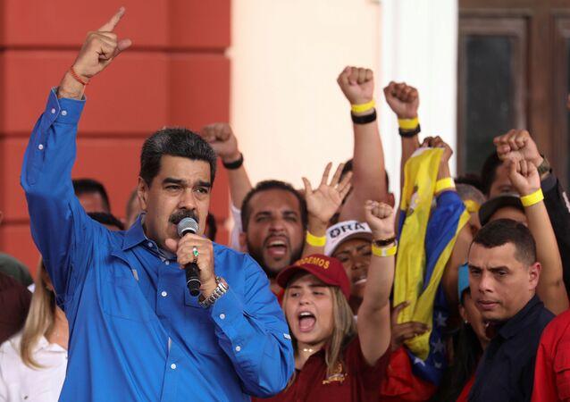 Presidente da Venezuela, Nicolás Maduro, participa de ato do Dia da Juventude, em Caracas