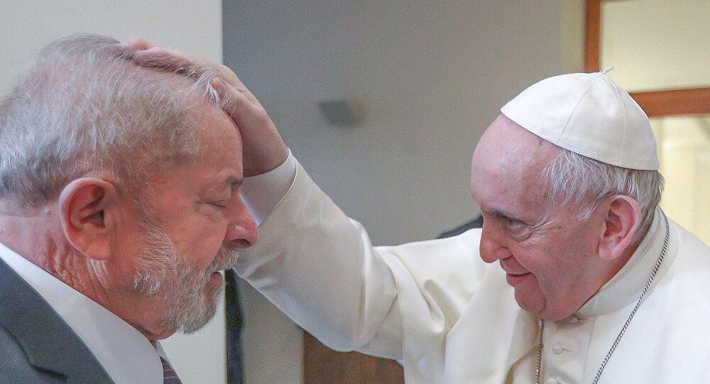 Ex-presidente Lula se encontra com o Papa Francisco no Vaticano