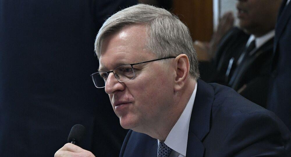 O indicado para exercer o cargo de embaixador do Brasil junto aos Estados Unidos da América, Nestor José Forster Junior.