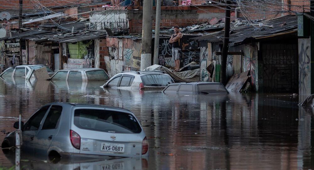 A forte chuva que atingiu São Paulo no dia 10 de fevereiro provocou vários pontos de alagamento na cidade.