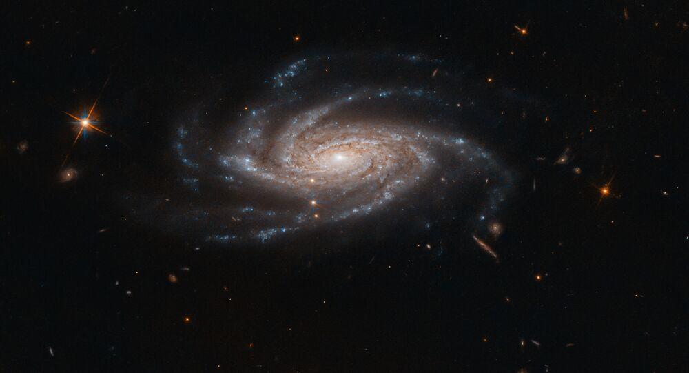 Imagem da galáxia espiral NGC 2008, captada pelo telescópio Hubble