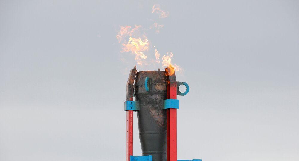 Cerimônia solene de início do fornecimento de gás da Rússia continental à Crimeia