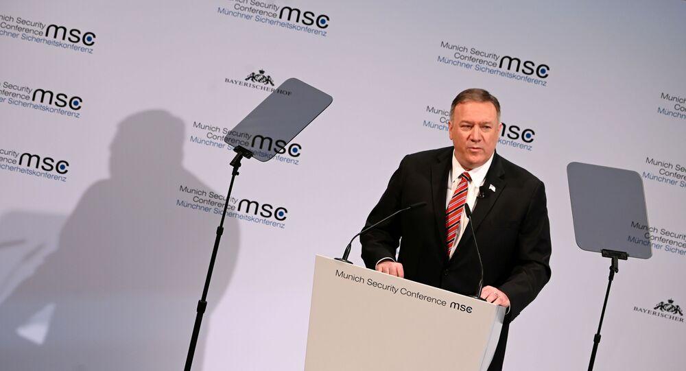 Secretário de Estado dos EUA, Mike Pompeo, em discurso na Conferência de Munique, na Alemanha, em 15 de fevereiro de 2020