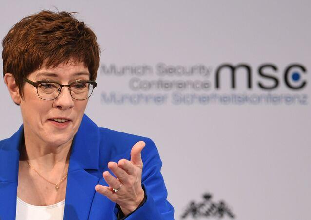 Ministra da defesa da Alemanha, Annegret Kramp-Karrenbauer, durante a Conferência de Segurança de Munique, em 15 de fevereiro de 2020