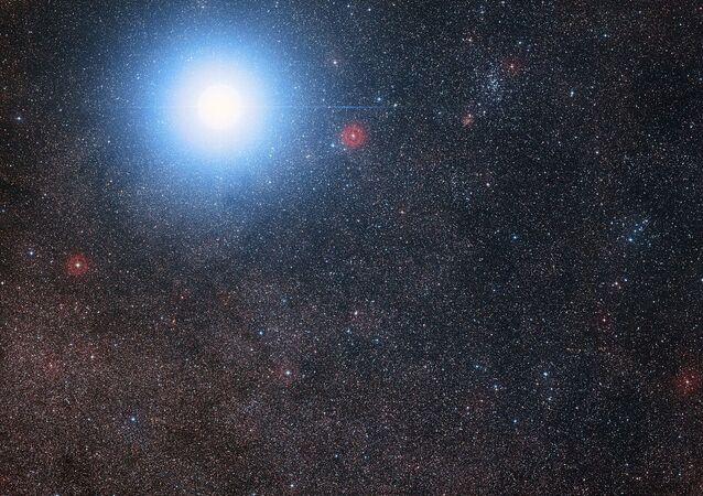 Sistema estelar Alpha Centauro (foto de arquivo)