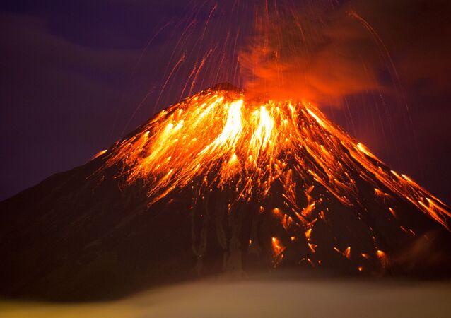 Vulcão Tungurahua, no Equador