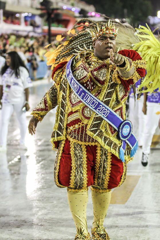 O Rei Momo do Carnaval 2020 do Rio de Janeiro durante a 2ª noite de desfiles da Série A.