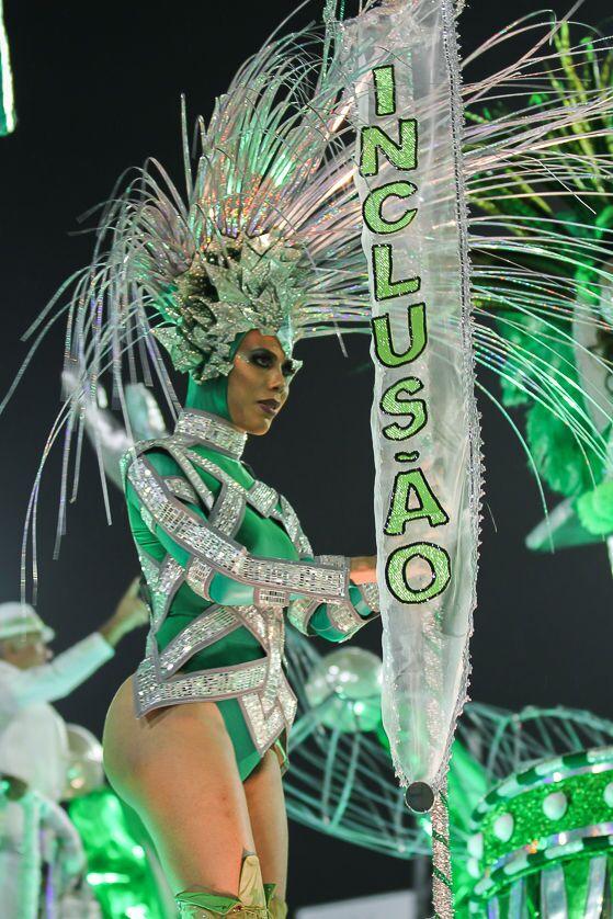 Destaque da Império da Tijuca no 2ª dia de desfiles da Série A no Rio de Janeiro.