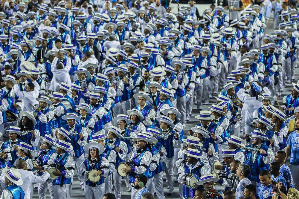 Vila Isabel impressionou com um desfile de alto nível técnico