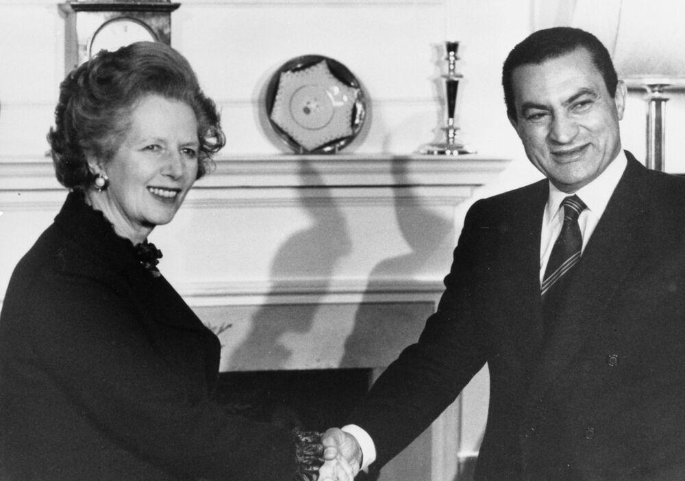 Primeira-ministra do Reino Unido, Margareth Thatcher, em encontro com o presidente egípcio, Hosni Mubarak, em Londres, no ano de 1985