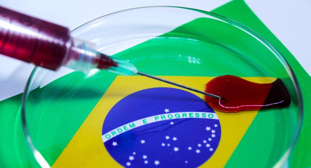 Imagem ilustrativa do COVID-19 (novo coronavírus) com a bandeira do Brasil. O Governo Brasileiro confirmou nessa quarta-feira (26) o primeiro caso do COVID-19 no Brasil.