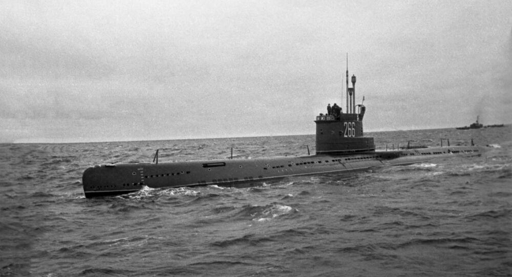 Um submarino soviético do projeto 613 (imagem referencial)