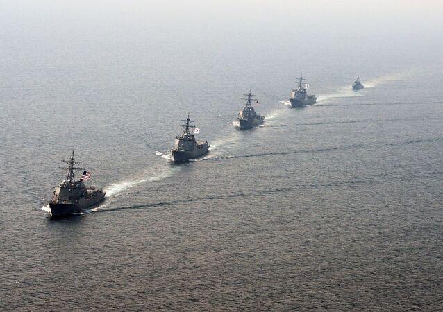 Comboio de navios de guerra dos EUA e da Coreia do Sul (imagem referencial)