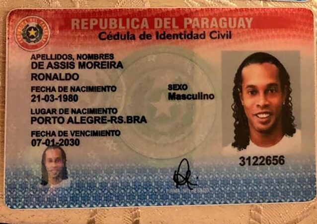 Carteira de Identidade Civil paraguaia falsa de Ronaldinho Gaúcho