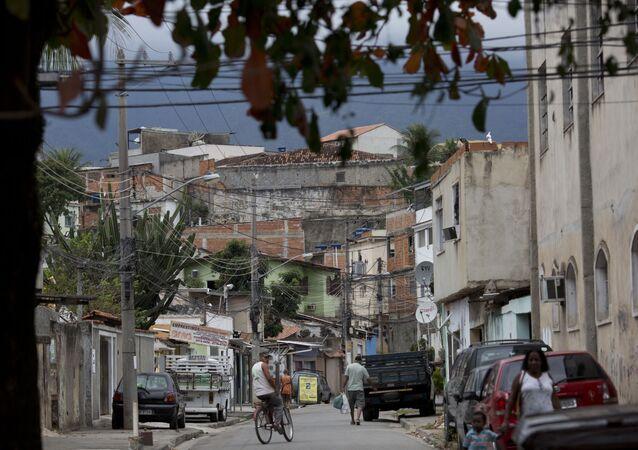 Vista de uma das ruas da Cidade de Deus, favela do Rio de Janeiro, em 2016.