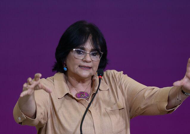 A ministra da Mulher, da Família e dos Direitos Humanos, Damares Alves, durante solenidade do Dia do Enfrentamento à Violência contra a Mulher, no Palácio do Planalto, em Brasília-DF.