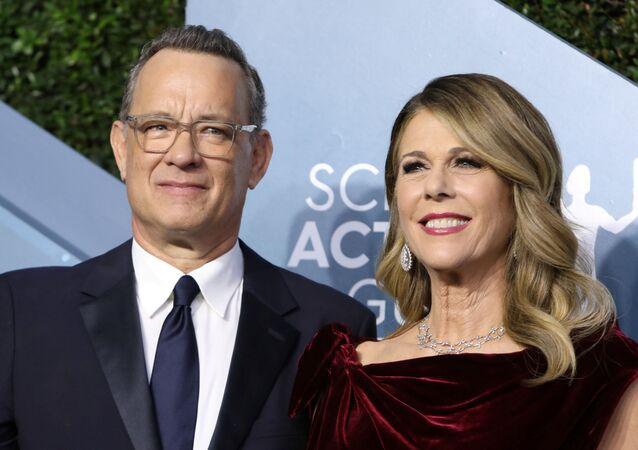 Ator norte-americano Tom Hanks e esposa Rita Wilson durante premiação em Los Angeles, Califórnia, EUA, 19 de janeiro de 2020