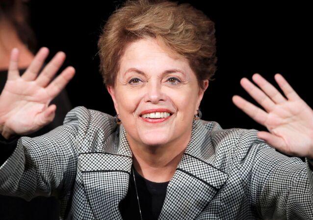Ex-presidente do Brasil, Dilma Rousseff, em evento da campanha de Anne Hidalgo pela reeleição à prefeitura da capital francesa, Paris, 2 de março de 2020