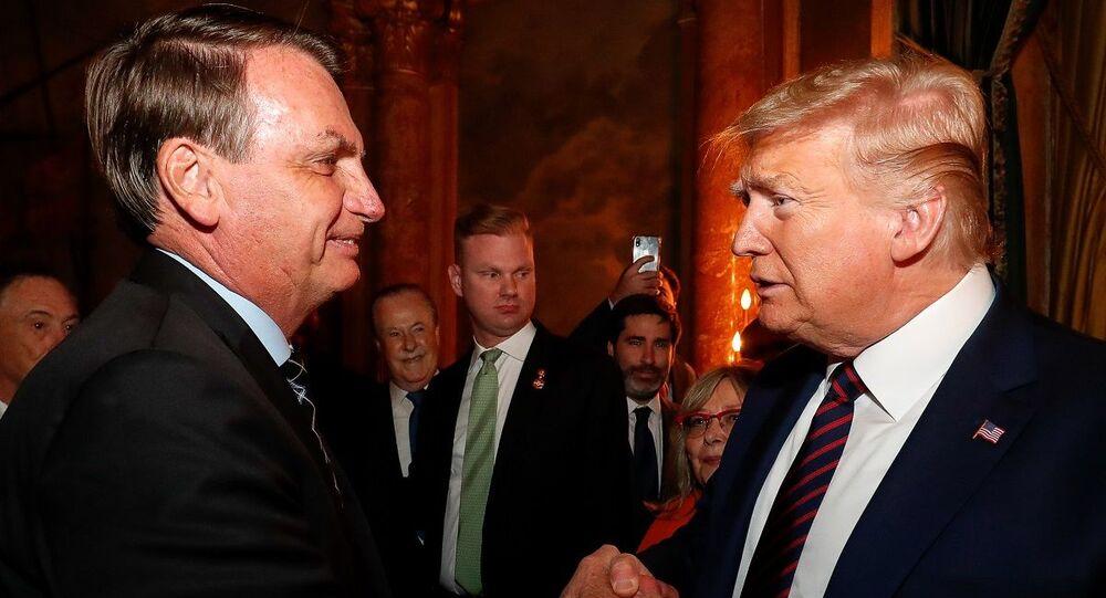 Presidente brasileiro, Jair Bolsonaro, se encontra com o presidente americano, Donald Trump, em Miami