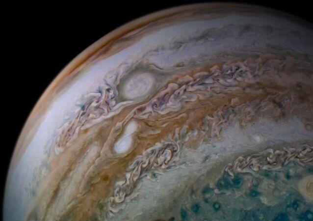 Fusão de duas tempestades pode ser vista dentro da Grande Mancha Vermelha de Júpiter