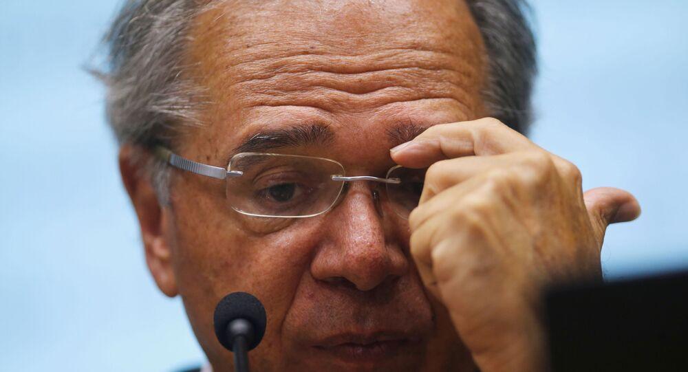 Paulo Guedes em coletiva de imprensa sobre o coronavírus.