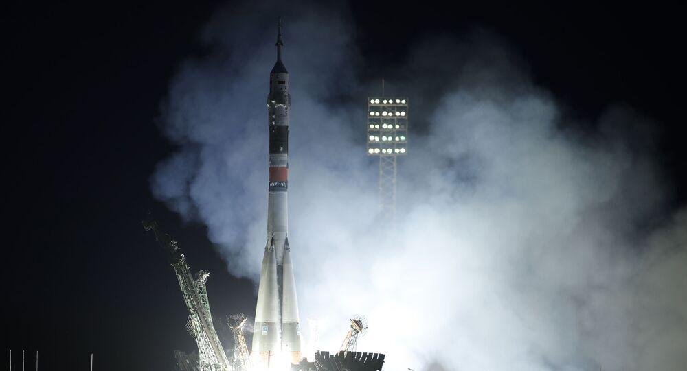 Lançamento da cápsula Soyuz MS-15 de Baikonur para a Estação Espacial Internacional (EEI)