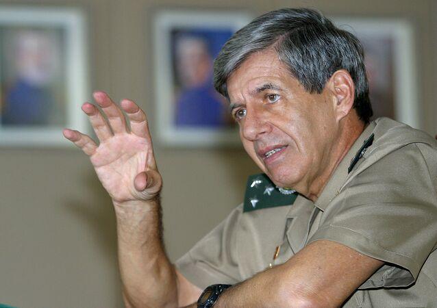 Ministro do Gabinete de Segurança Institucional Augusto Heleno
