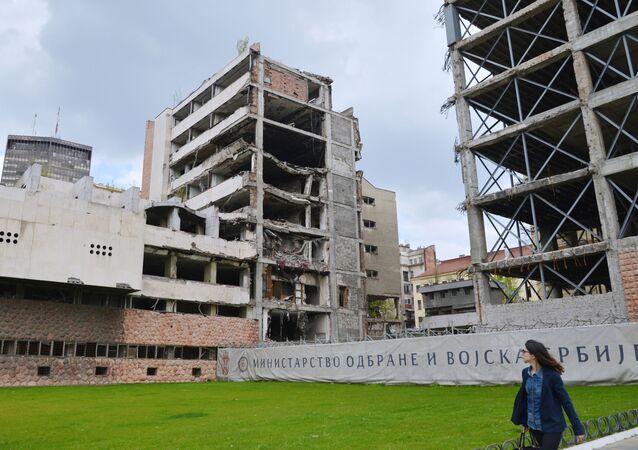 Antigo edifício do Ministério da Defesa, em Belgrado, destruído após o bombardeio da OTAN em 1999