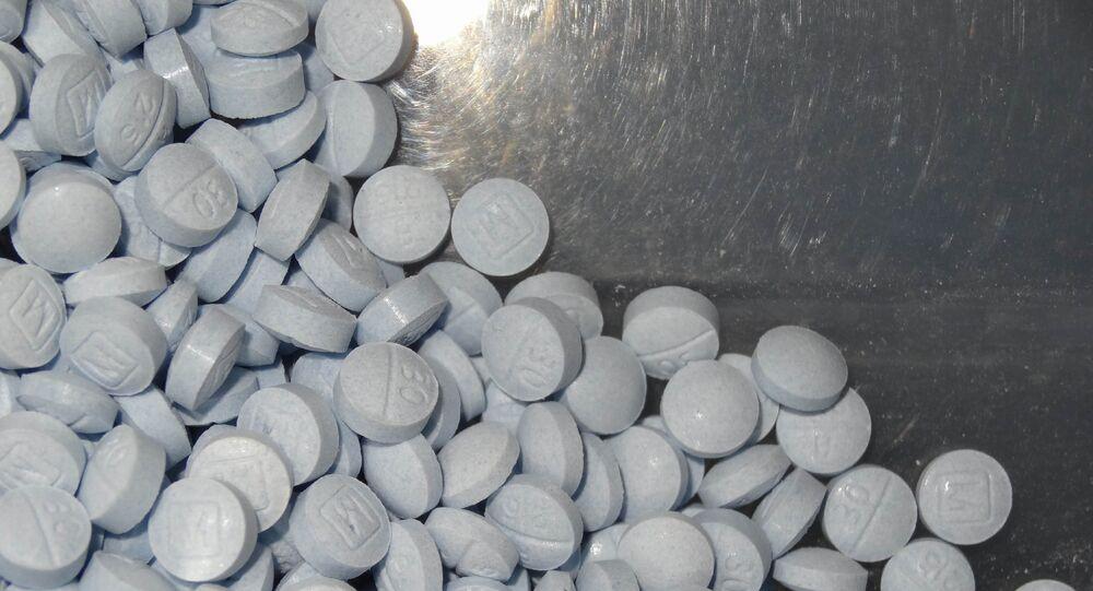 Comprimidos de hidroxicloroquina estão sendo tratados como a salvação contra a COVID-19