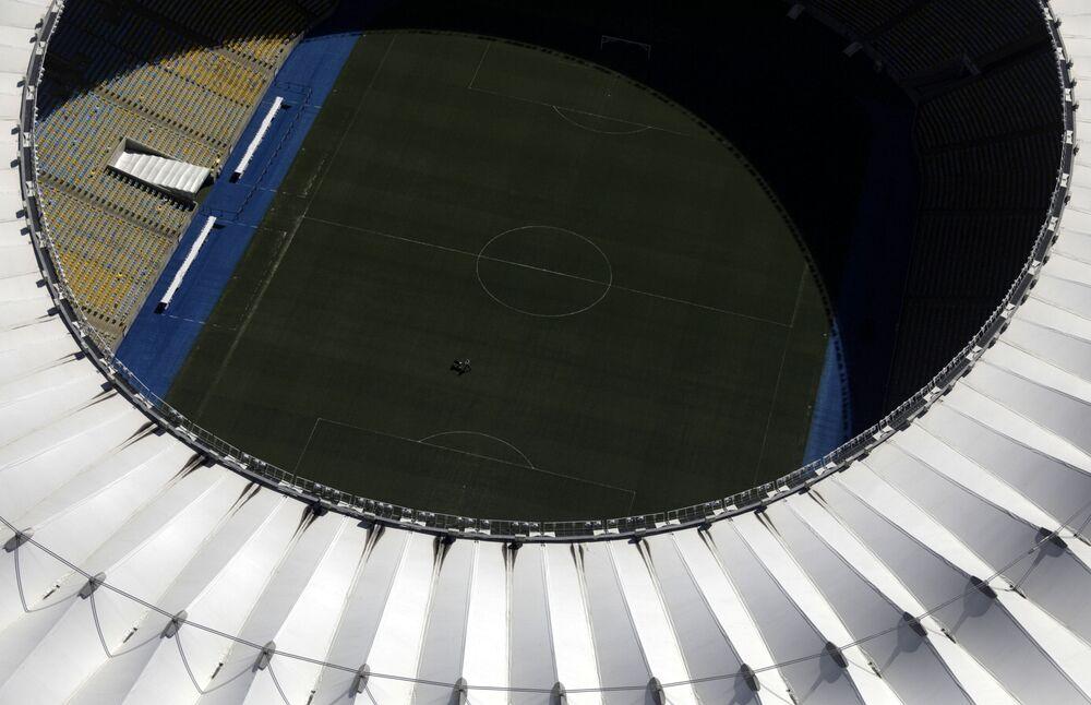 Imagem aérea do estádio do Maracanã, vazio em função da propagação do novo coronavírus na cidade maravilhosa, 26 de março de 2020