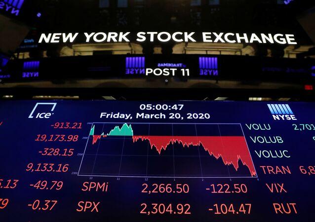 Bolsa de Nova York fica vazio enquanto o prédio se prepara para fechar indefinidamente devido ao surto de coronavírus em Nova York, EUA, 20 de março de 2020
