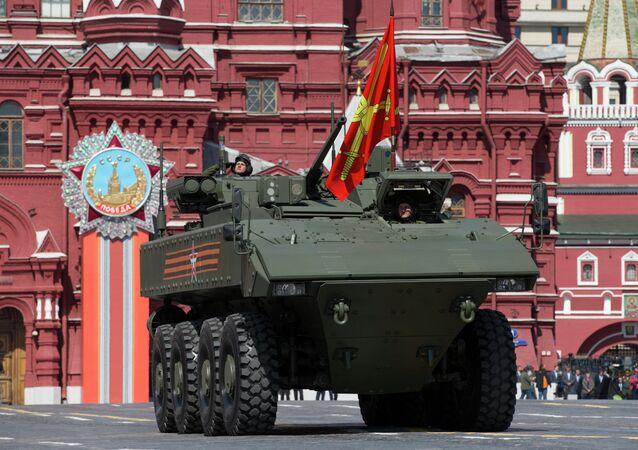 Veículo blindado russo de transporte de pessoal Bumerang