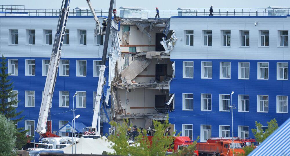 Alojamento militar que desabou em Omsk.