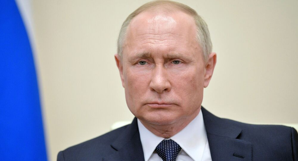 Presidente da Rússia, Vladimir Putin, durante discurso em rede nacional, 2 de abril de 2020
