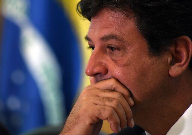 O ministro da Saúde, Luiz Henrique Mandetta, se reúne com equipe para divulgar acoes apos confirmação do primeiro caso de coronavírus no Brasil.